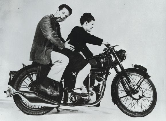 Felicidades Charles Eames!